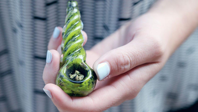 Le Massachusetts émet son premier permis de vente de cannabis récréatif pour adultes