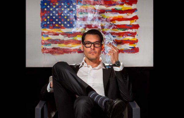 Un candidat au Congrès de l'Illinois fume un joint sur sa photo de campagne