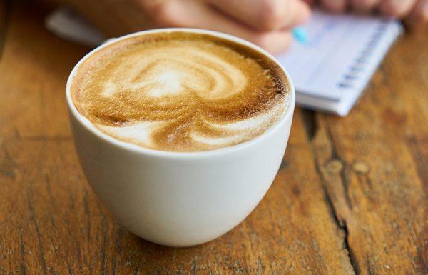 Quel est le lien surprenant entre le cannabis et le café?